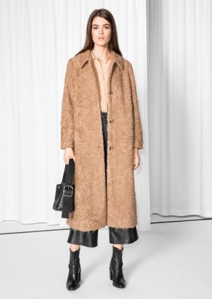 http://www.stories.com/be/Ready-to-wear/Jackets_Coats/Long_Fuzzy_Coat/582949-123975653.1