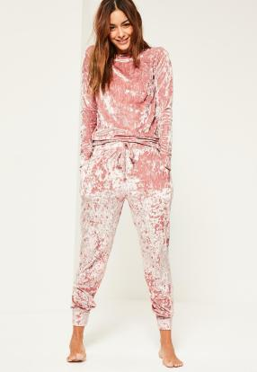 pink velvet joggingsuit